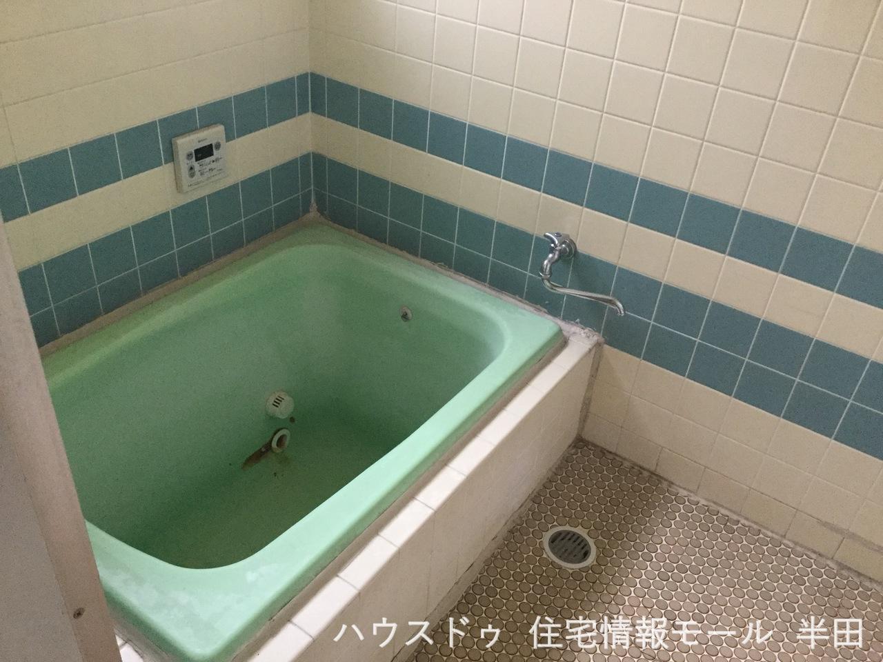 タイル調がおしゃれな浴室です 疲れた体と心を癒しましょう