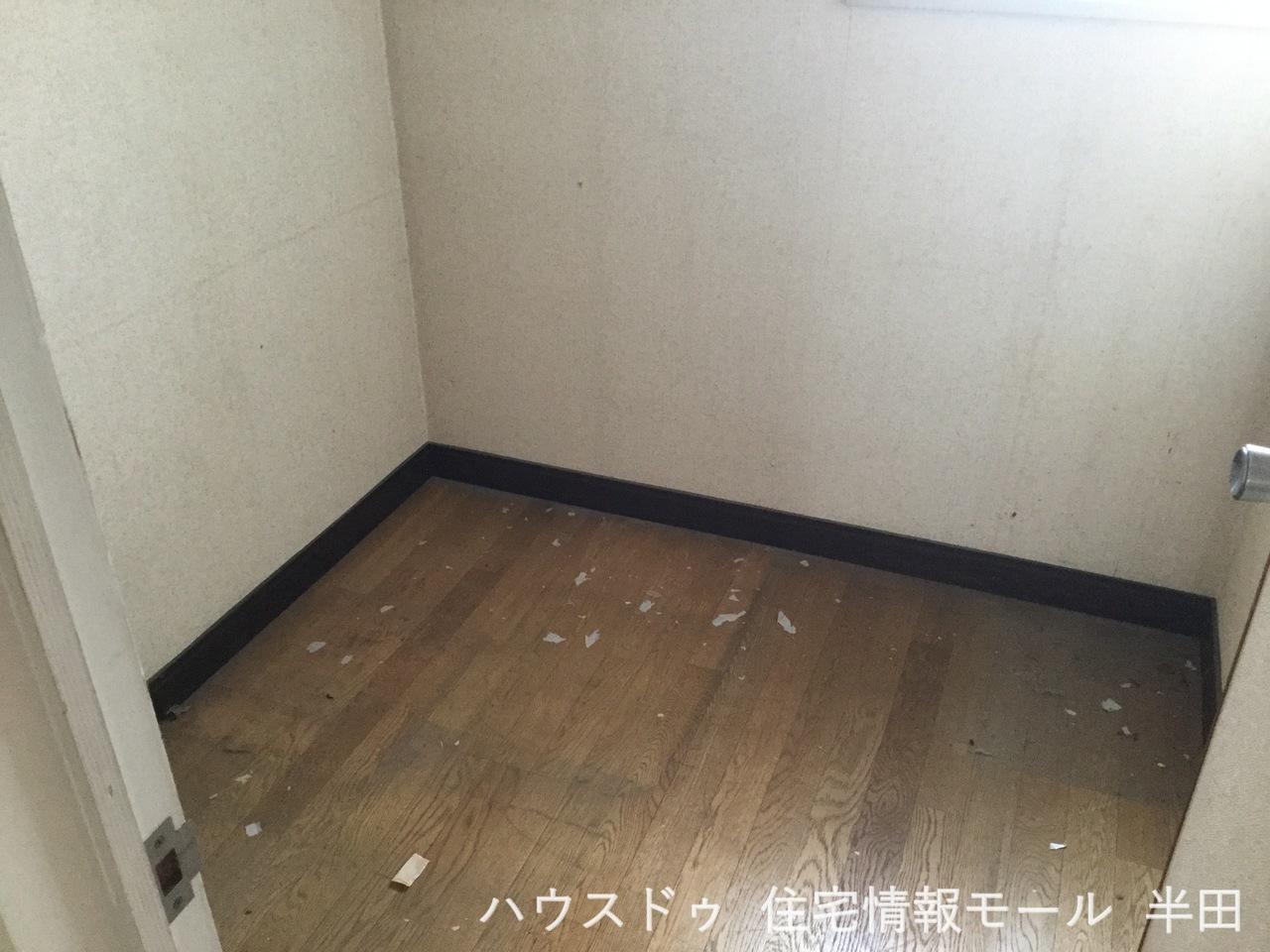 4.5帖 納戸 ご家族の思い出も大切にしまっておけるたっぷり収納 収納を活用してすっきり住空間
