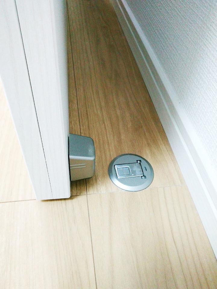 全室ドアストッパー付きです♪建具が壁紙を傷つけません♪フラットな形状でお掃除もしやすいですよ♪