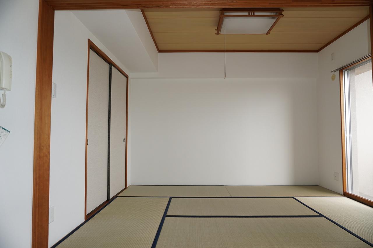和室が一部屋あると便利です。押入れ付なので主寝室としても◎