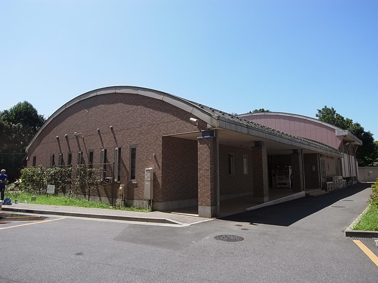 共用棟(託児所・体育館・シアタールーム、カラオケルーム、バーベキューガーデン等充実の共用施設です)