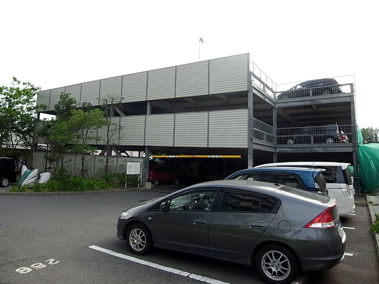 自走式駐車場100%完備。