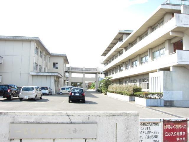 【近隣写真】尾西第三中学校