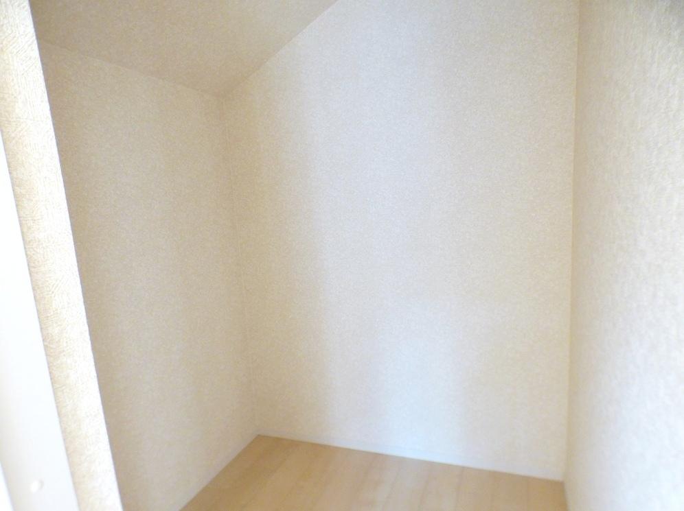◎WIC:3号棟(5/12撮影) 主寝室の収納はたっぷりの収納力を備えたウォークインクロゼット付!