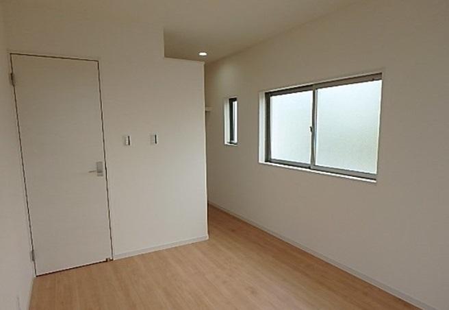 洋室は3室あります お手入れ楽々のピカピカのフローリングです