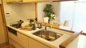 システムキッチンなので お手入れも簡単です  清潔なキッチンで 毎日お料理できますね