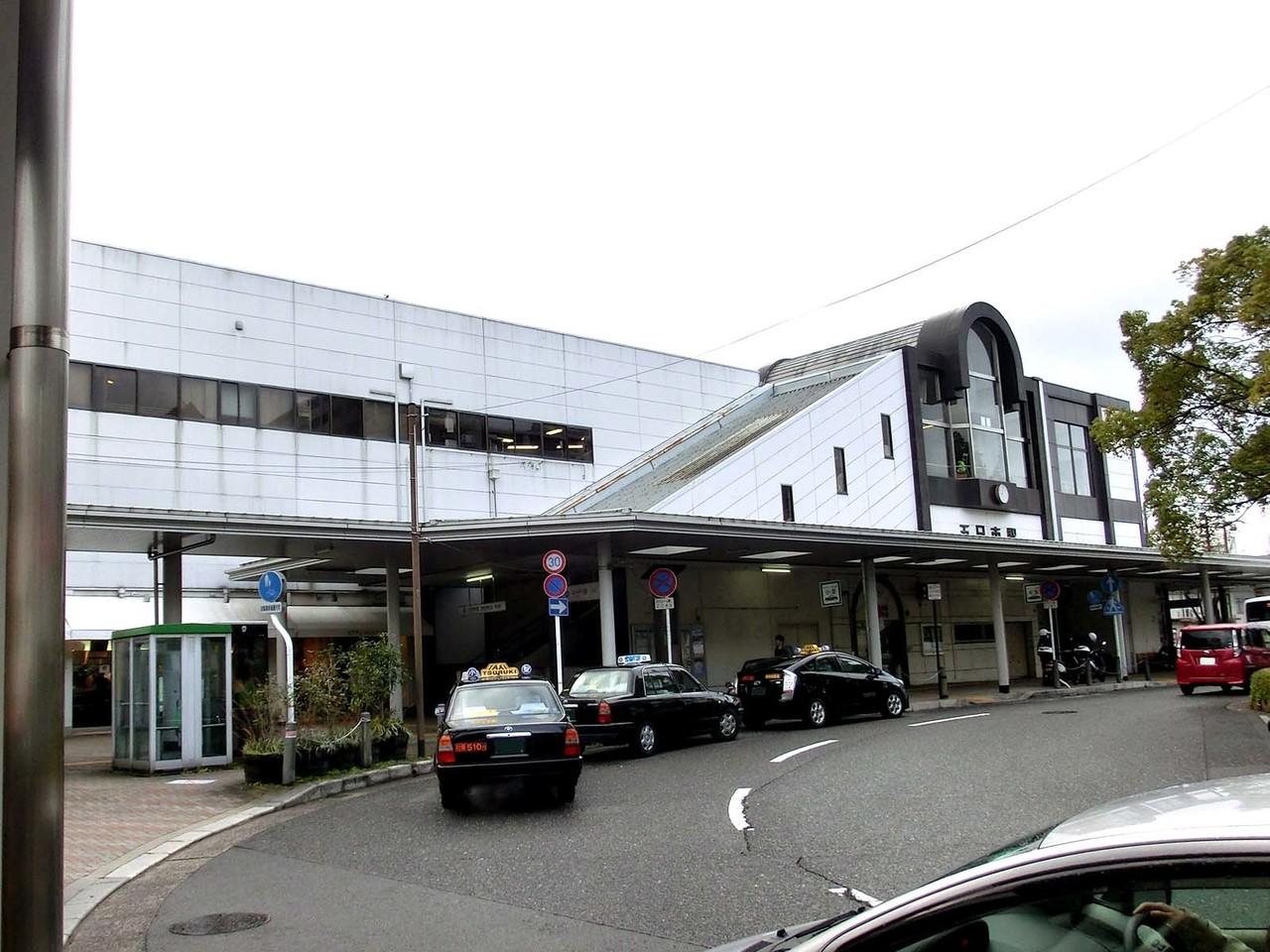 【駅】JR五日市駅。画像は北口。南口側には広電五日市電停があります。