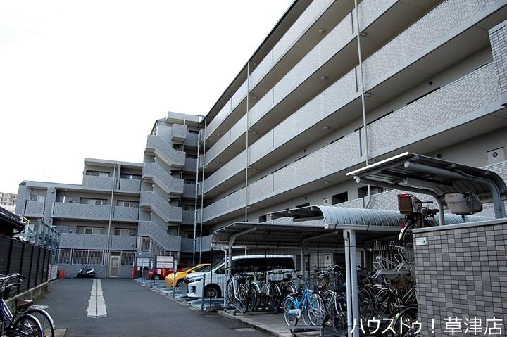 2009年築のマンションです。