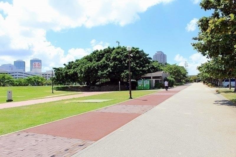 公園徒歩約1分(約66m)m