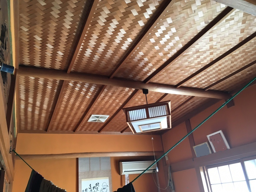 6畳の和室は襖を開ければ12畳の広々空間です