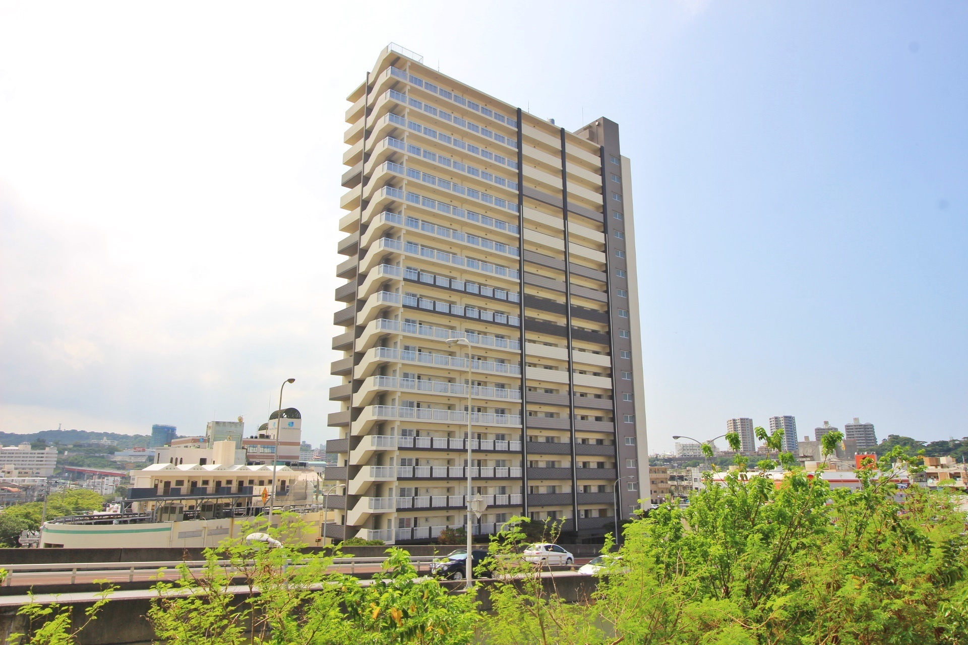 【外観写真】 新築タワーマンション19階建最上階!オーシャンビュー・即内覧可能!駐車場空有・ペット飼育可・WIC!