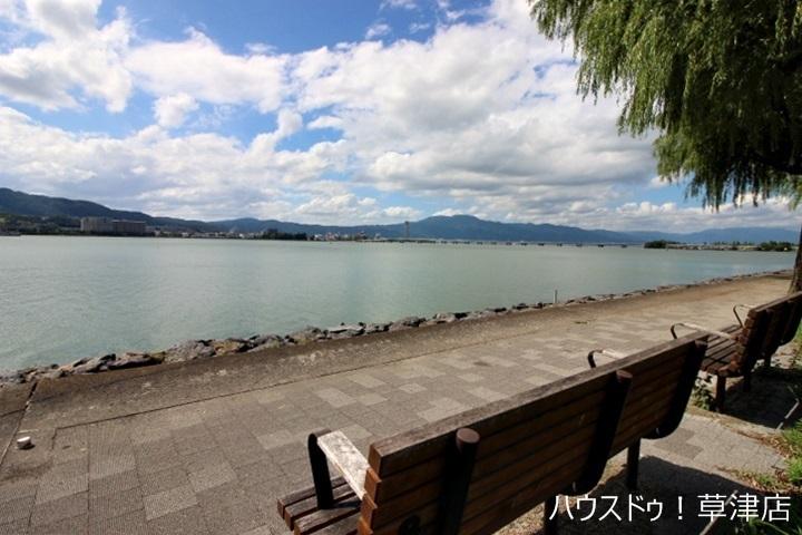 目の前には琵琶湖が眺望出来ます。