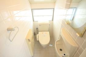 トイレは各階にそれぞれあります!