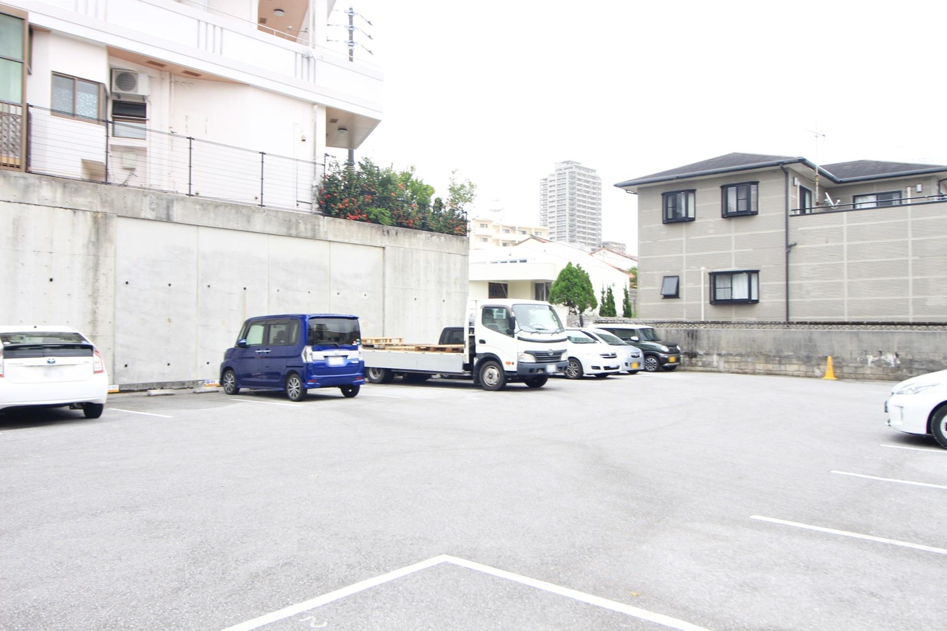 【外観写真】 【土地面積約554平米】那覇市泊に登場!現在駐車場として賃貸中!現況渡し、建築条件なし!