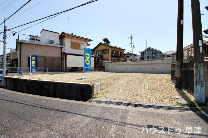 建築条件なし 分譲地内 草津駅直通バス停徒歩2分 約49坪 四季を感じるロクハ公園まで徒歩2分