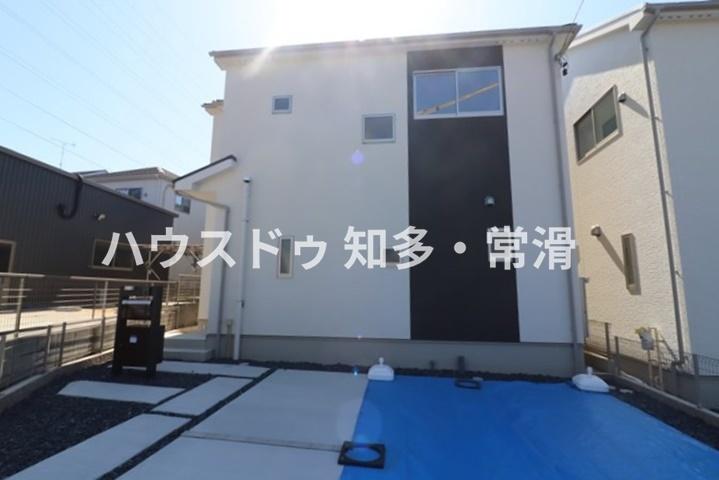 東海市富木島町藤島 全2区画 2号棟  全居室2面採光♪♪ 耐震等級3のお家!子育て環境充実!