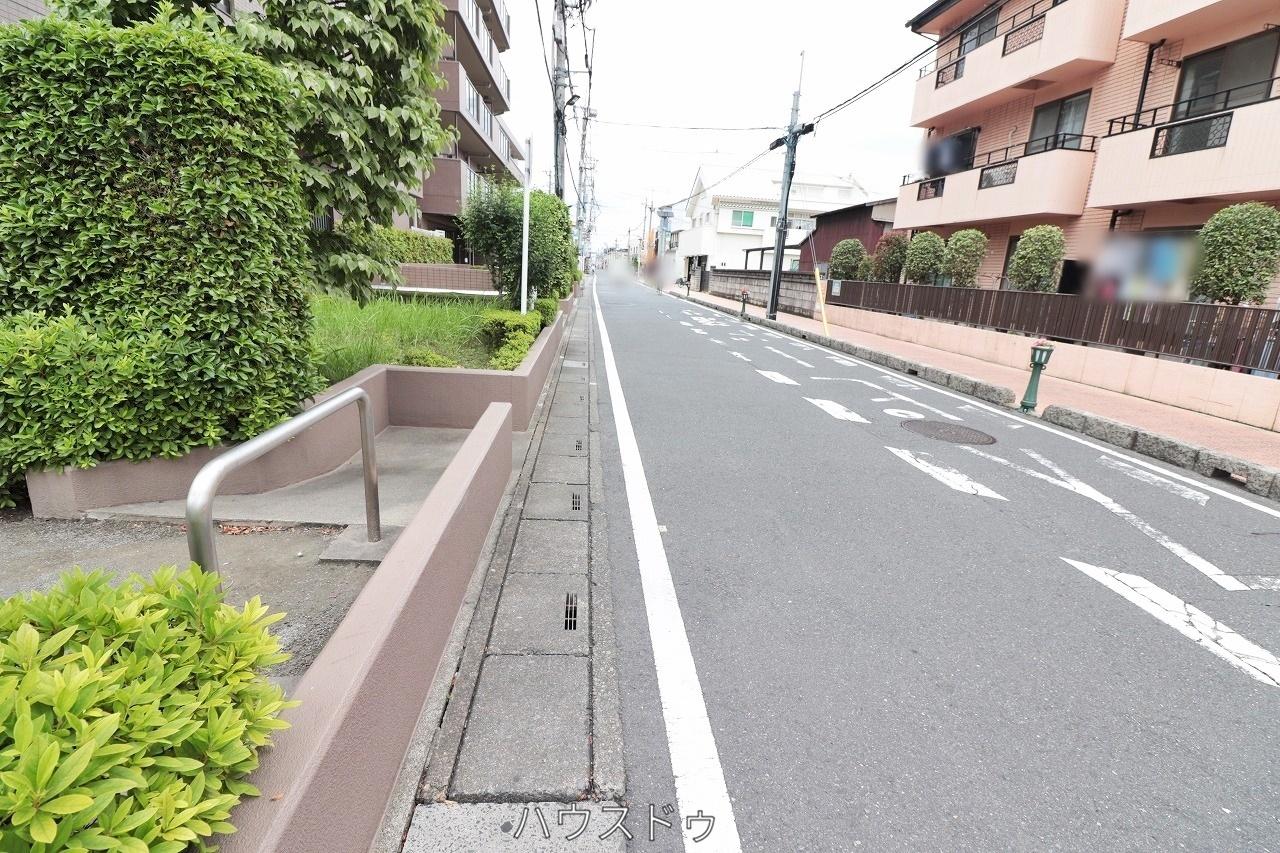 新田駅より徒歩7分!獨協大学前駅よりも徒歩13分!2駅の利用が可能!お出かけ先によって駅の使い分けが出来ますね♪