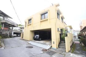 【外観写真】 RC構造・オール電化住宅・6LDK!普通車2台駐車可能!現在賃貸中!年間約180万円の収入有!