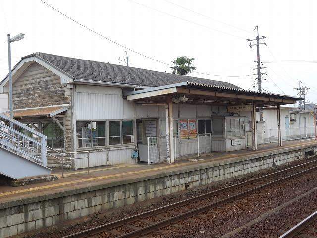 駅徒歩10分(約800m)